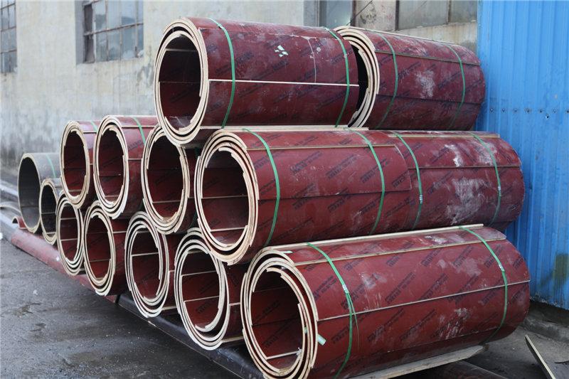 方圆木制建筑圆模板让建筑更简单 方圆圆模板由木制弧形模板+紧固件组成,弧形圆模板采用桦杨木为基板,外覆环氧树脂膜,配套紧固件,安装拆模速度快,省时省力! 建筑圆模板的常规规格如下: 直径(mm) 片数 厚度(mm) 高度(米) 250-550 2 15 3 600-1200 2 18 3 1300-1500 2 22 3 1600-4200 4-10 22 2.